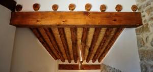 Casa Dragons - Lampara de Tejas en techo